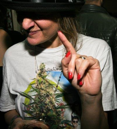 weed_tshirt1